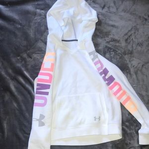 Super cute kids under armour pull over!